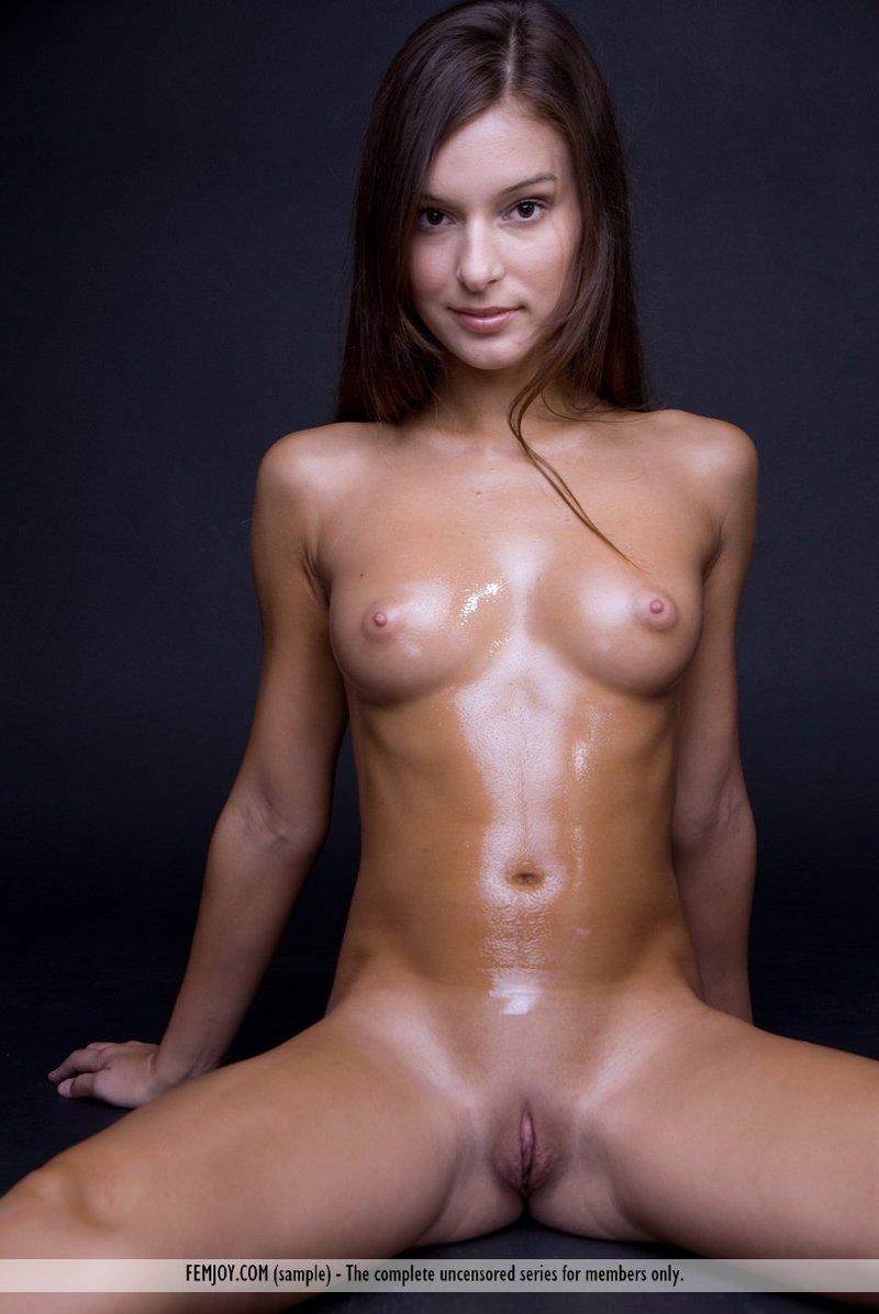Nikki mostra seu corpo de adolescente nua 2 Nikki Mostra Seu Corpo de adolescente nua