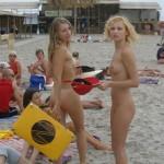 Novinhas gostosas peladinhas na praia