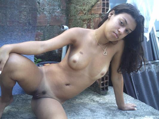 Novinha Da Favela Peladinha