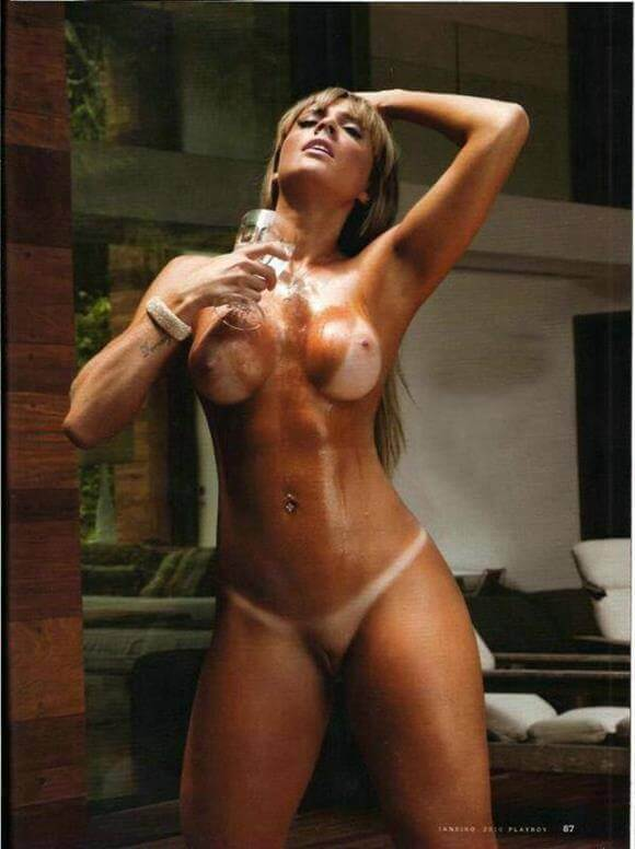 Juju Salimeni nua na Playboy
