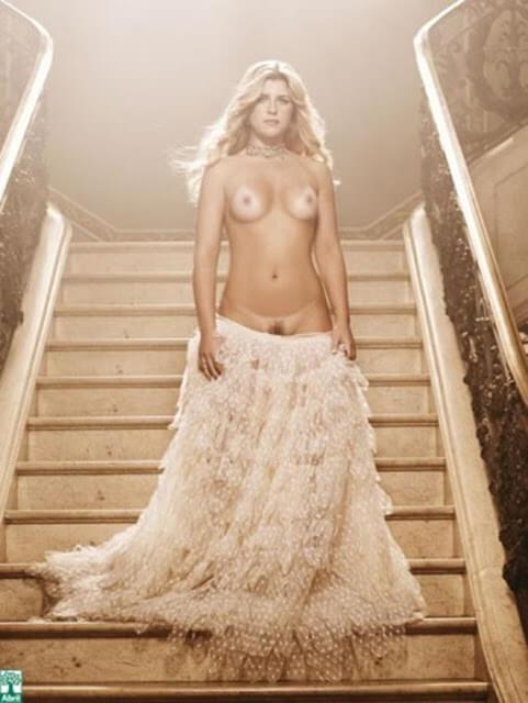 Iris Stefanelli nua pelada na Playboy