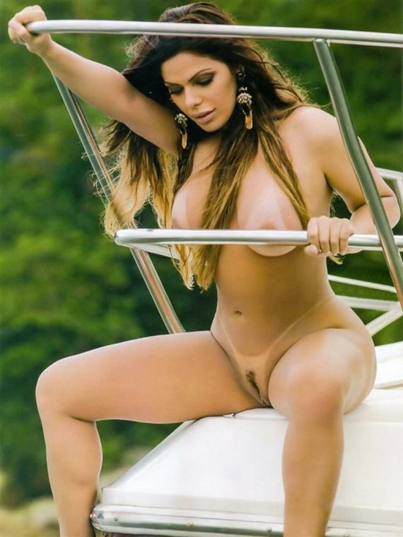 Suzy Cortez nua na Revista Sexy