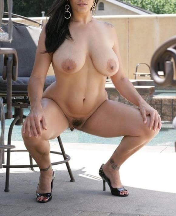 Fotos de mulher pelada mostrando a buceta