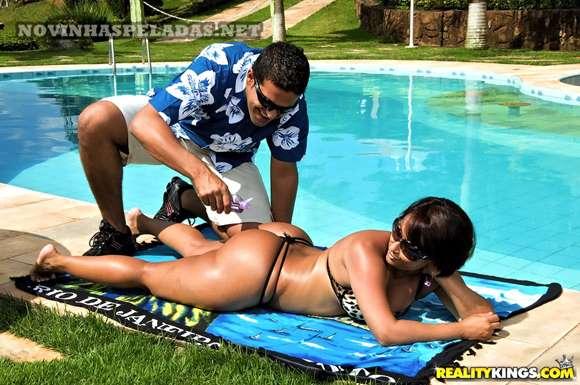 fotos de sexo com morena rabuda brasileira dando de quatro